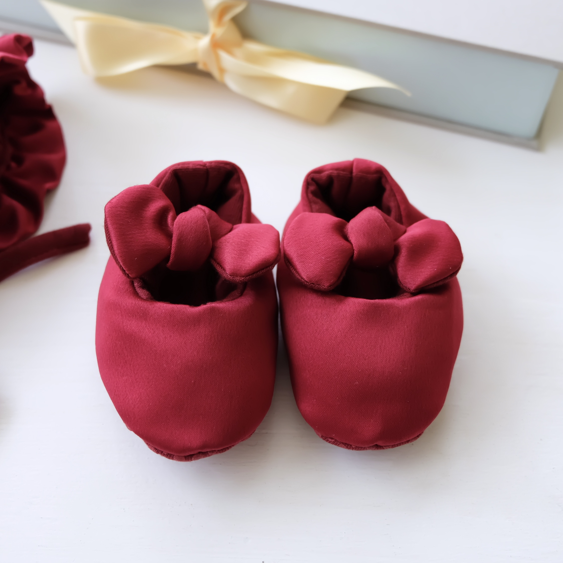 Bonnet Shoes & Bow Infant Set – Burgundy – Style Me Little